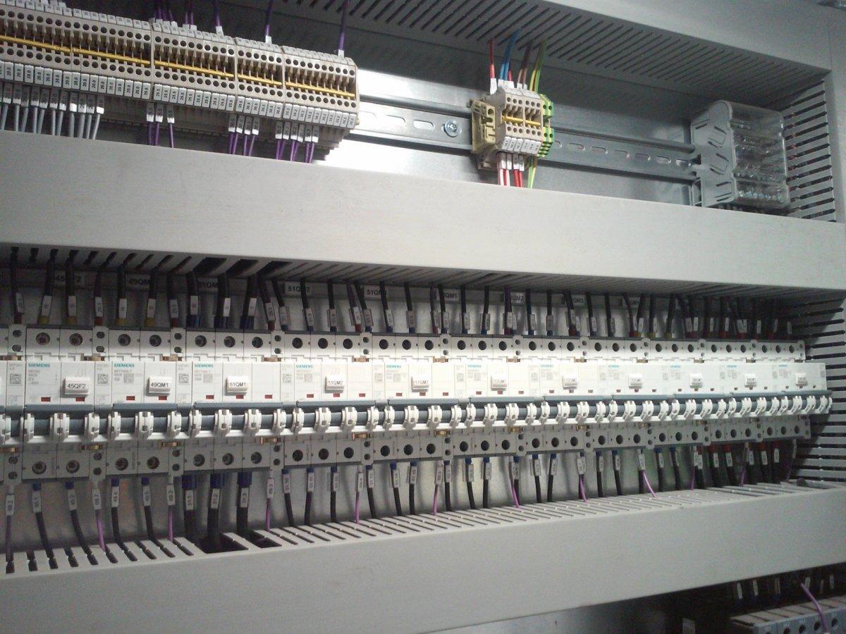 Automatyka przemysłowa, programowanie sterowników PLC, doradztwo.