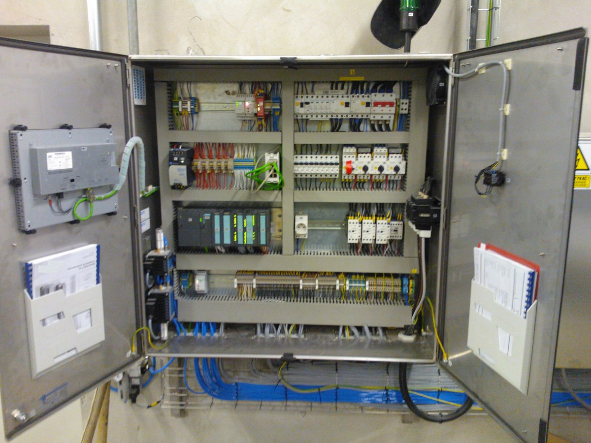 Prefabrykacja rozdzielnic szaf sterowniczych. Automatyk Elektryk Monter Serwis