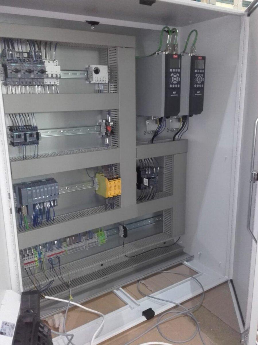 Projektowanie systemów automatyki, prefabrykacja szaf, schematy Eplan, monter, serwis