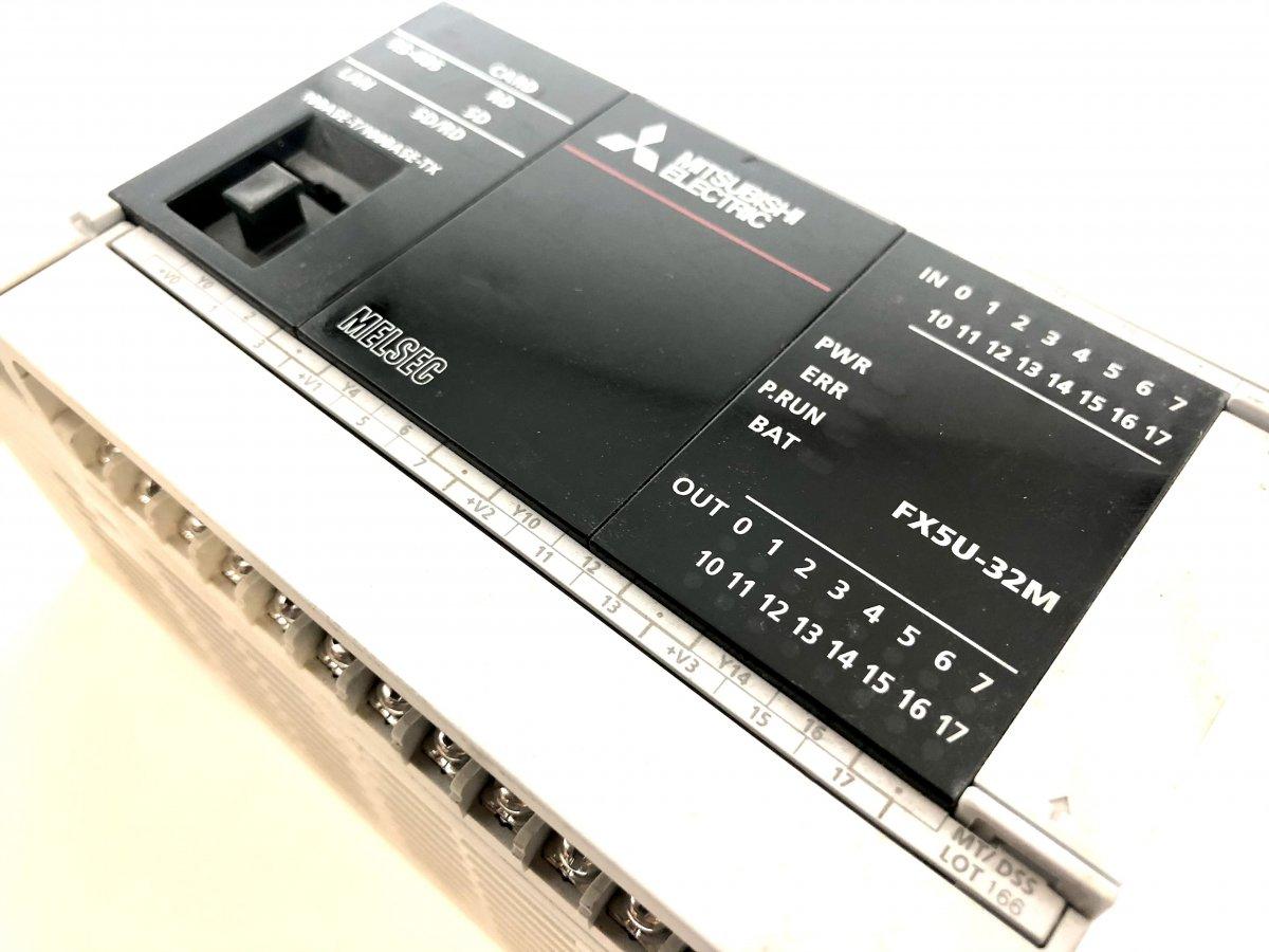 Sterownik PLC Mitsubishi FX5U-32MT/DSS