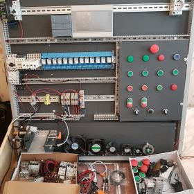 Stanowisko do nauki programowania PLC i elektryki, s7-1200, weintek mt8071iE