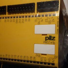 Przekaźnik bezpieczeństwa programowalny PILZ PNOZ 773100