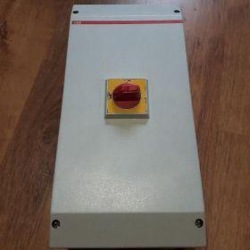 Rozłącznik ABB 125A OTP125BA3M w obudowie