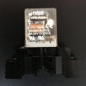 Przekaźnik przemysłowy R2M 2 styki 5A 24V DC  + gniazdo
