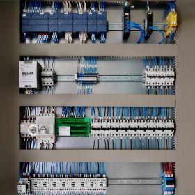 Projektowanie, Prefabrykacja Rozdzielnic Elektrycznych, programowanie sterowników PLC, systemy BMS, wizualizacje SCADA,
