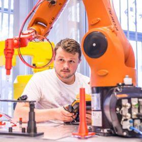 Szkolenie - PROGRAMOWANIE ROBOTÓW PRZEMYSŁOWYCH KUKA – KURS PODSTAWOWY