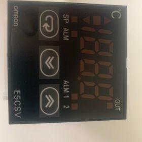 OMRON E5CSV-Q1TD-500 24V AC/DC Regulator Temperatury
