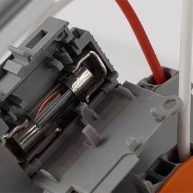 Zabezpieczenia obwodów 24VDC, nadprądowe, topikowe i elektroniczne. Testy!