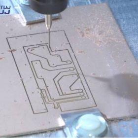 Wykonanie obwodu drukowanego z pomocą CNC