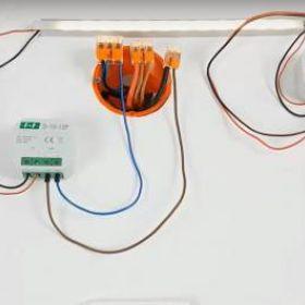 W jaki sposób zasilać długie paski LED?