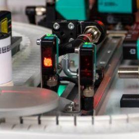 Sensory w maszynach i obiektach automatyki - wywiad z inżynierami Pepperl+Fuchs