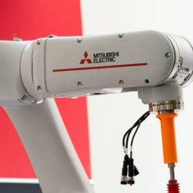 Robot przemysłowy czy cobot? Cobot przemysłowy!